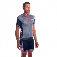 carrera-podium-suite-(short-sleeve-jersey-+-bibshort)
