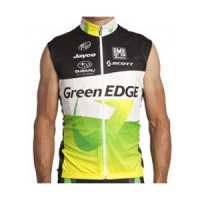 santini-greenedge-team-vest